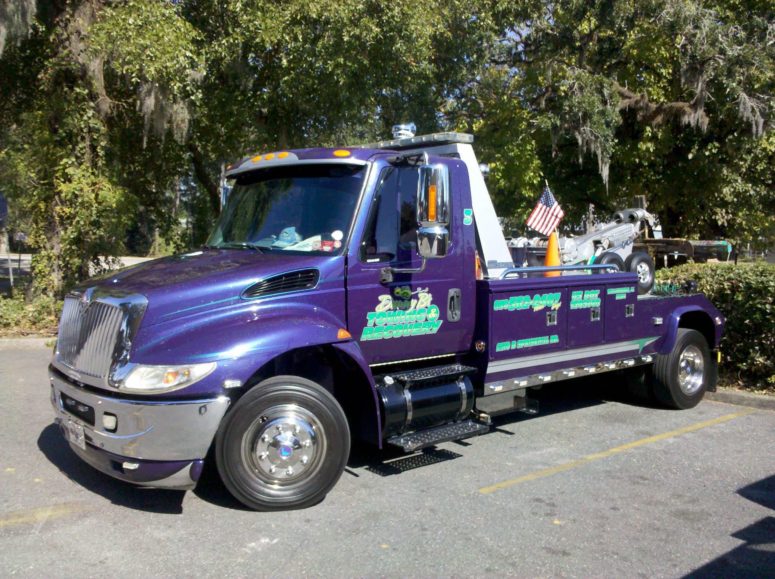 Tallahassee Towing Company, roadside service, crash recovery,